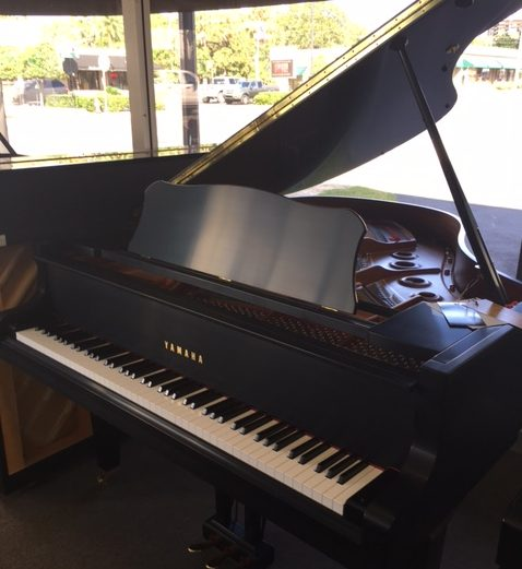 Yamaha GC2 5'8″ Satin Ebony Grand Piano