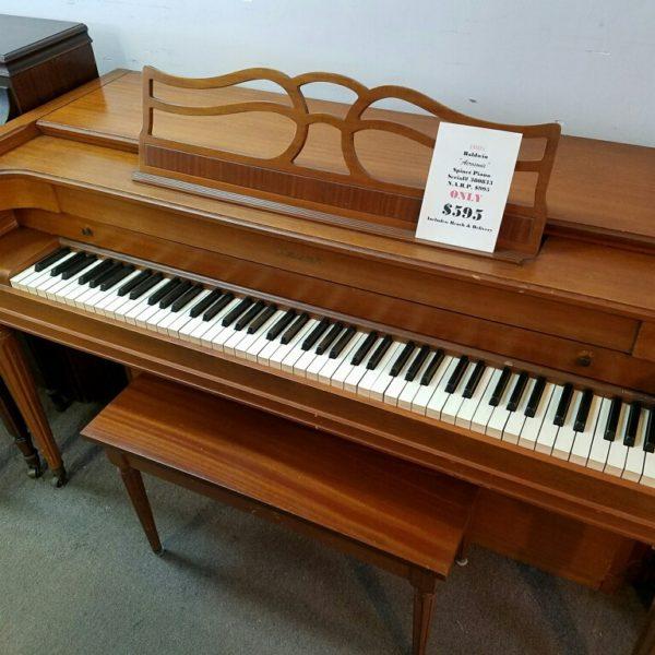 Baldwin Piano (595)