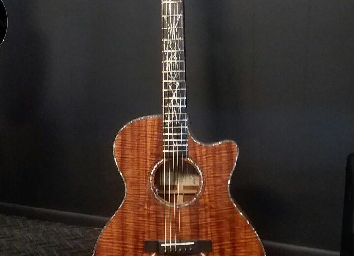 2010 Martin Custom Shop Custom Series Koa